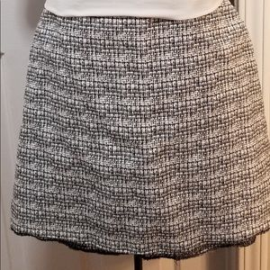 Express skirt size 6 black and white